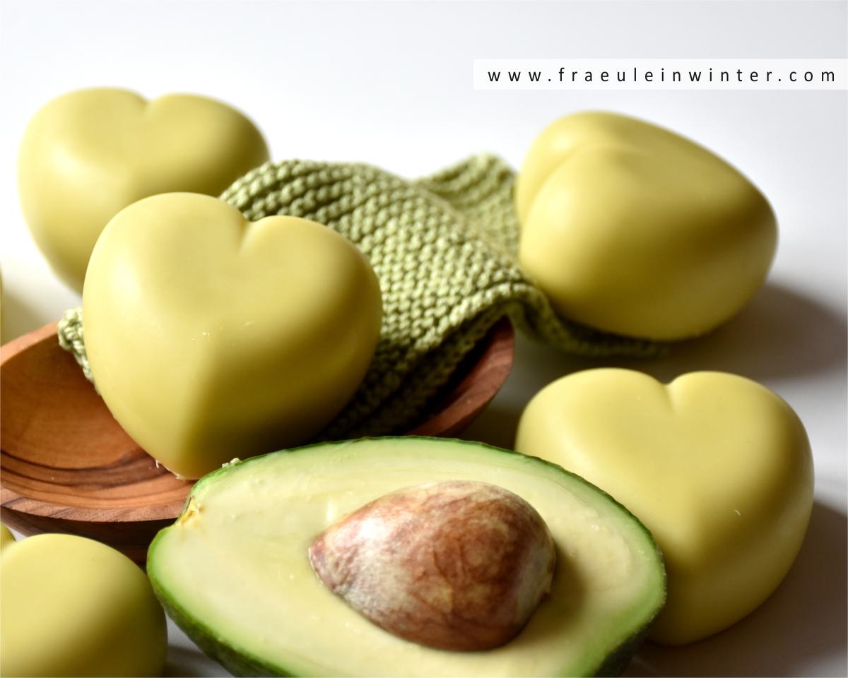 Pflegende Seife mit Kokosnussmilch und Avocadoöl