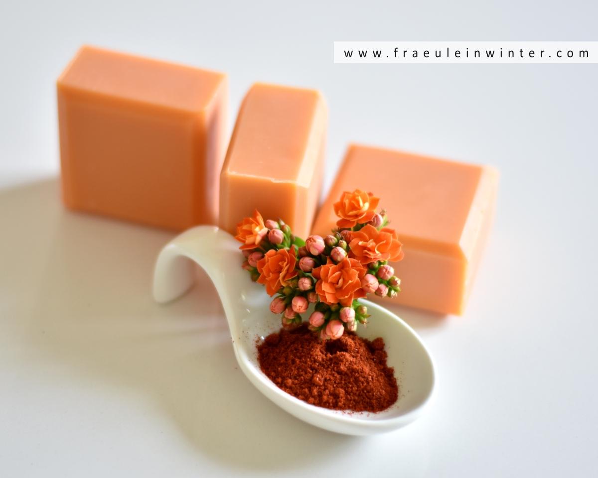 Natürlich gefärbte Seife mit warmen Orangenduft