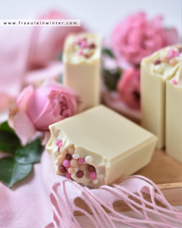 Rosenseife mit Kokosmilch